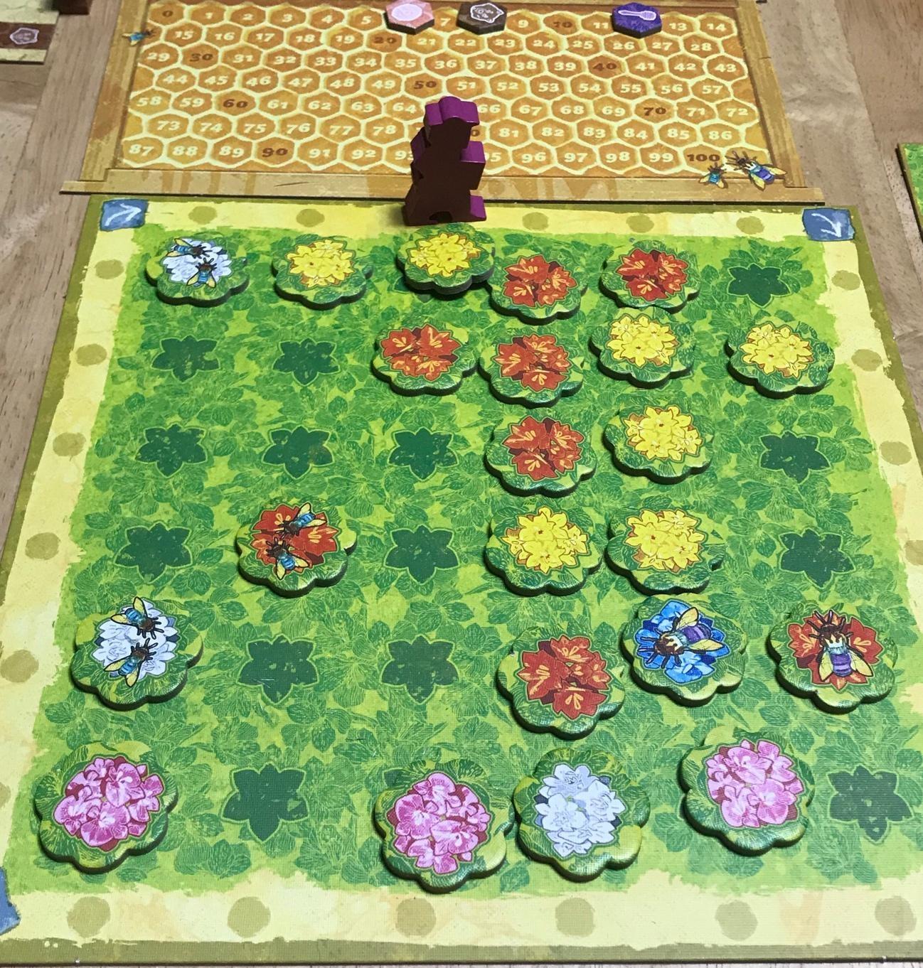 クィーンズ〜ハチなるか、ハチならざるか、それが問題だ〜 Queenz: To bee or not to bee Mandoo Games